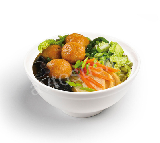 Суп с лапшой, фрикадельками из лосося и грибами