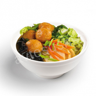Soup with noodles, salmon meatballs and mushrooms